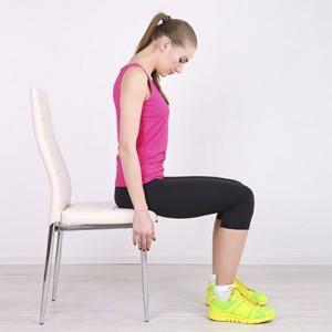 کشیدن پشت در حالت نشسته : تمرین کششی