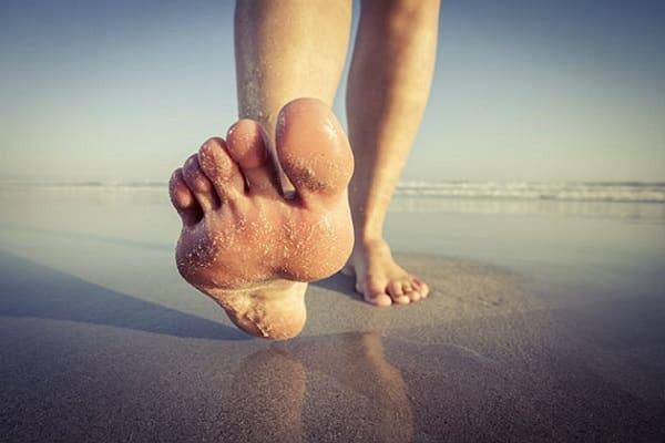 درمان درد شست پا با تمرین جدا کردن انگشتان