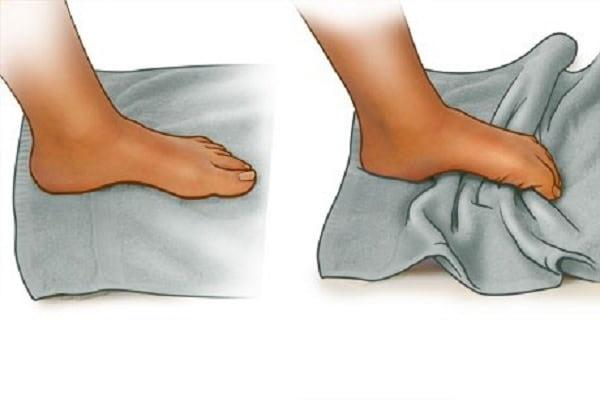 درمان درد شست پا با تمرین خم کردن انگشتان