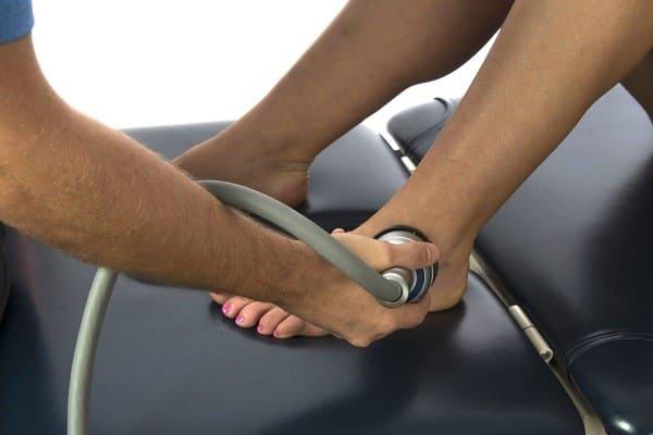 درمان درد شست پا با شاک ویو درمانی