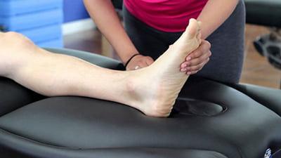 فیزیوتراپی برای درمان بی حسی و خواب رفتگی انگشت پا
