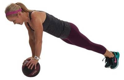 پلانک با توپ پزشکی برای تقویت عضلات کمر